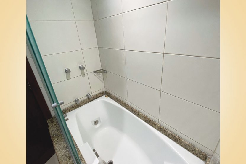 suite-junior-casal-banheiro1-cedrohotel